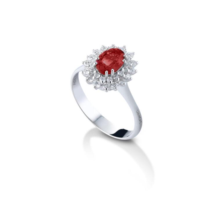 anello con rubino in oro bianco con diamanti