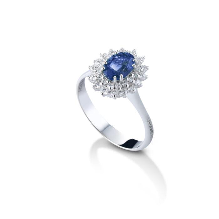 anello con zaffiro e brillanti, oro bianco by Diamondart.it
